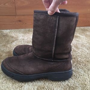 UGG Classic Short Brown Winter Boots